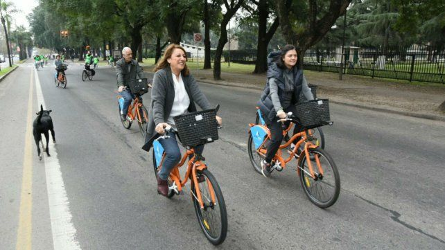 La intendenta inauguró las nuevas estaciones de la red pública de bicicletas