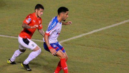 """El """"rojo"""" con una victoria prácticamente se asegurará la clasificación a los octavos de final de la Copa Sudamericana."""