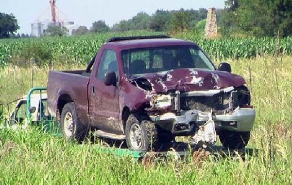 La camioneta iba a no menos de 100 kilómetros en la ruta 32.