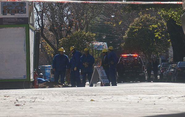 Operarios de Litoral Gas controlan un escape de gas. (Foto de archivo)