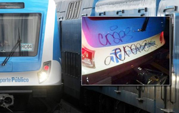 """Increíble. Un muchacho atacó el nuevo tren del Sarmiento. """"Es un imbécil"""""""