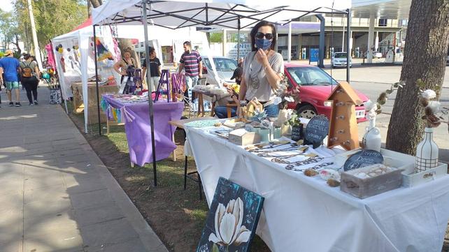 Los artesanos siempre están en las ferias de Venado Tuerto. Sean las organizadas por la municipalidad como las privadas.