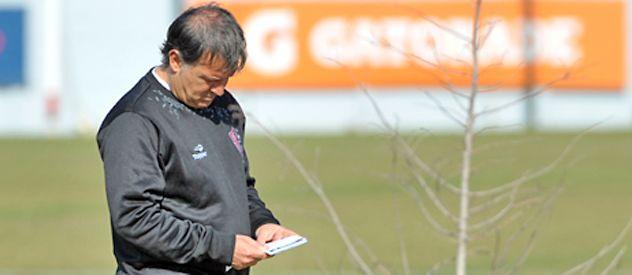 Martino mostró indicios del probable equipo titular para visitar a Belgrano.