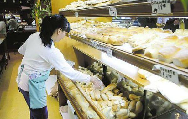 La Asociación de Industriales Panaderos amenaza con una medida de fuerza ante el incremento en los precios de los insumos para hacer sus productos.