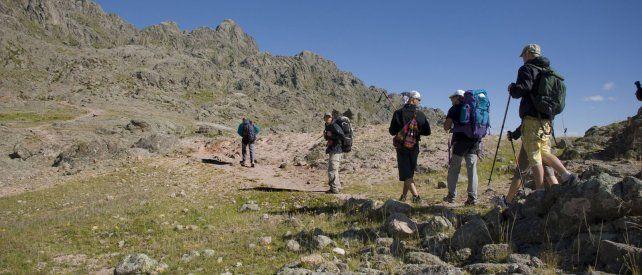 Recreación. El cerro Champaquí es uno de los lugares elegidos para la actividad.