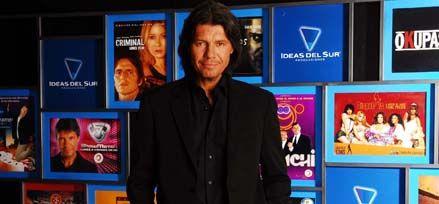 Marcelo Tinelli sale a la pista para poner a bailar al planeta mediático