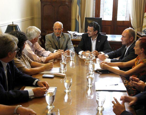 Los estatales fueron recibidos por funcionarios provinciales.