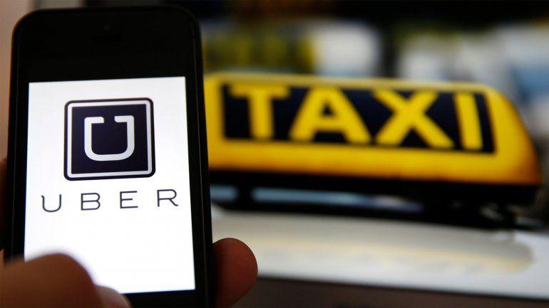 La llegada de Uber a Buenos Aires puso en estado de alerta a los taxistas rosarinos.