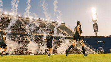 Otros tiempos. Jaguares, a cancha llena, en el estadio José Amalfitani