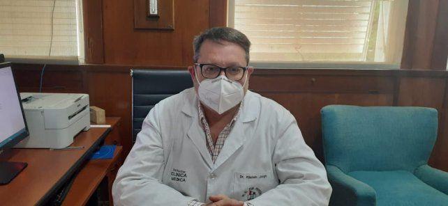 El director del Eva Perón, también a cargo del hospital modular, Jorge Kilstein.