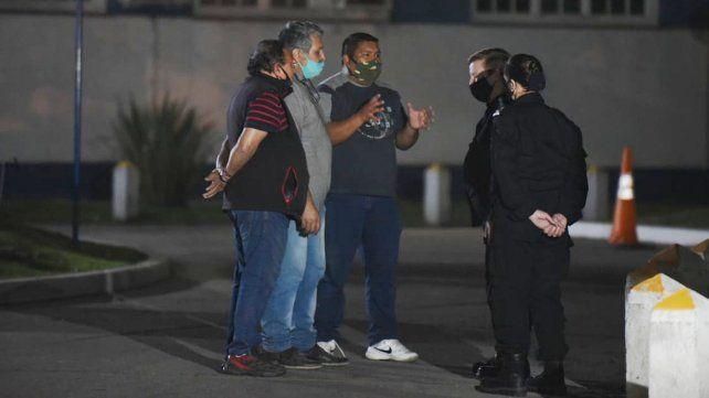 La jefa de la Policía provincial se reunió con los uniformados, que se negaban a abandonar la protesta