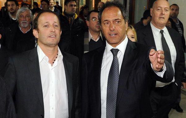 Con todo. Scioli se puso al hombro la campaña del candidato K Insaurralde.