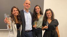Gabriela Gerosa, Benjamin List, Marian Guillen y Roberta Properzi el día de los festejos por el Premio Nobel.