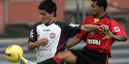 Lanús logró un buen empate 1 a 1 con Cuenca en la altura