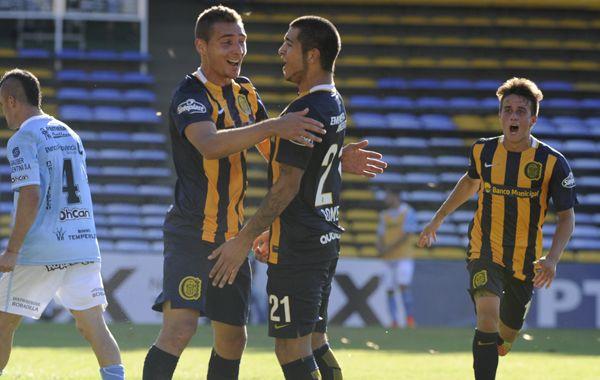Marco Ruben festeja el gol de la victoria