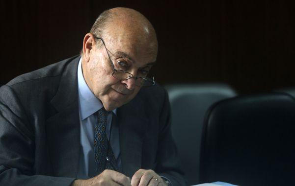 La Justicia absolvió ayer al ex ministro de Economía Domingo Cavallo en el juicio en su contra por el megacanje de deuda.