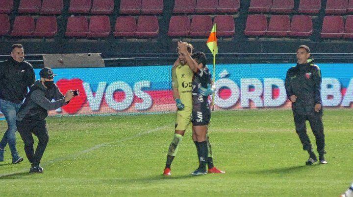 Burián y Rodríguez volvieron a ser los destacados en la definición desde los 12 pasos.
