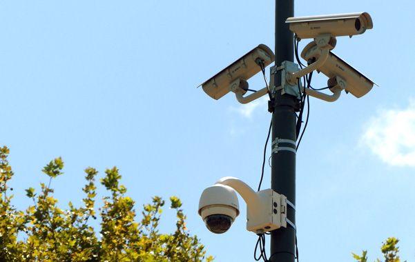 En todas partes. En 2016 se agregarán cámaras en las canchas de Rosario Central