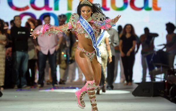 Samba. La morena Evelyn Bastos