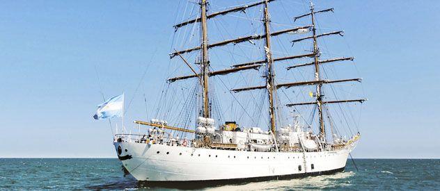 Volver. La Fragata Libertad permaneció 77 días amarrada en el Puerto de Ghana. Hoy la recibe el gabinete.