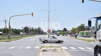 Radares con fotomultas en la Ruta 1. Esa fue la solicitud a la APSV de San José del Rincón, con el objetivo de llevar control vial a su zona urbana.
