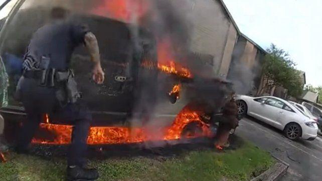 Los propios policías filmaron el rescate