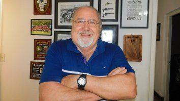 Carlos Ferro ha sido presidente del Club Universitario de Santa Fe durante diez años, aunque después ocupó diferentes cargos en la entidad de las Delicias.