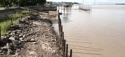 El Paraná creció hoy otra vez pero la situación continúa siendo grave
