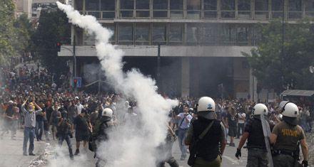 Tensa calma en los mercados a la espera del default de deuda griega
