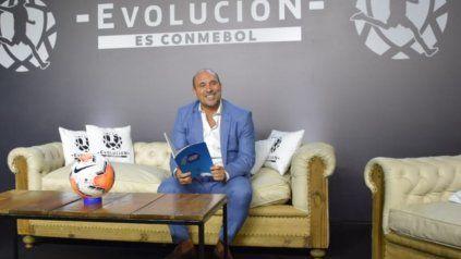 La idea es vacunar a todos los equipos de Primera de Argentina, informó Belloso