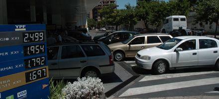 En algunas estaciones de servicios de Rosario bajó el precio de la nafta