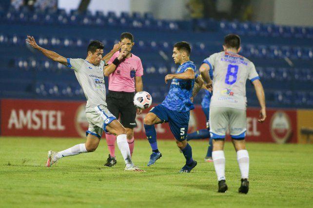 El canalla arrancó la copa con el pie izquierdo en Paraguay.