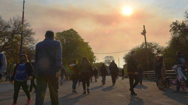 Sin solución. Las quemas en las islas situadas frente a Rosario son un problema recurrente.