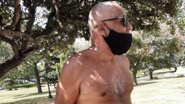 El taxista Gustavo Beatriz se desnudó ante la periodista de LT8 Georgina Beluatti.
