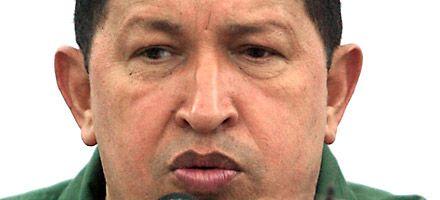 Chávez pone a Venezuela al borde de la guerra con Colombia por las Farc