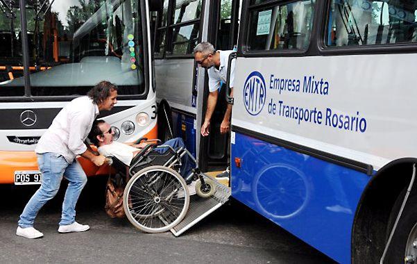 Adaptados. Los nuevos coches tendrán rampas para que los discapacitados pueden ingresar con facilidad.
