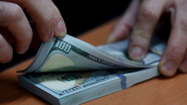 El dólar blue bajó por segunda jornada consecutiva