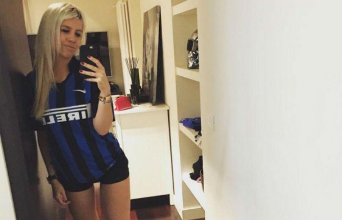 Wanda posó muy sexy con la camiseta de Mauro Icardi, un goleador dentro y fuera de la cancha