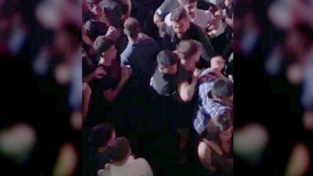 Nuevo video del forcejeo de los rugbiers con patovicas antes del crimen de Báez Sosa