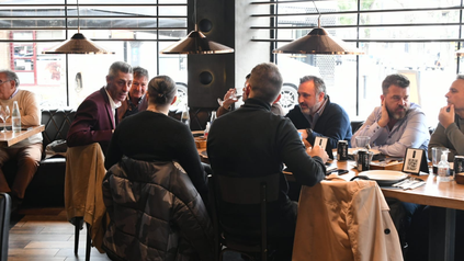 DAmico, candidato a presidente, almorzó con empresarios de la región.