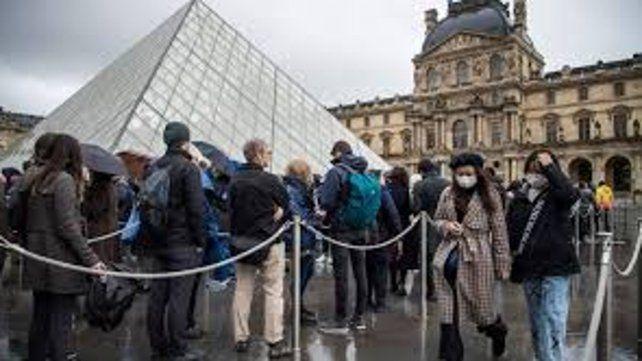 El Louvre abre sus puertas, tras cerrarlas por el Covid-19