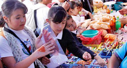 En las escuelas de Rosario los chicos se alimentan con comida chatarra