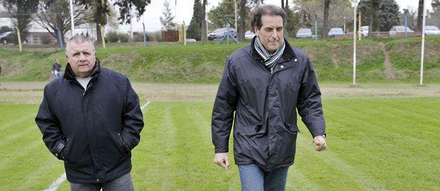 Reconocimiento. Cinquetti y Gottardi observaron las instalaciones de entrenamiento.