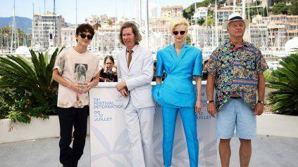 De izquierda a derecha:  Timothée Chalamet, Wes Anderson, Tilda Swinton y Bill Murray. 74º Festival de Cine de Cannes (Francia).