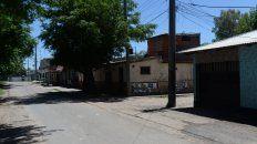 El paredón donde cayó herido de muerte Eric Gorosito, pleno barrio Las Flores