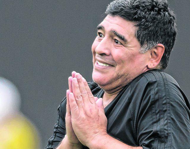 astro. Diego Armando Maradona litiga contra Claudia Villafañe.
