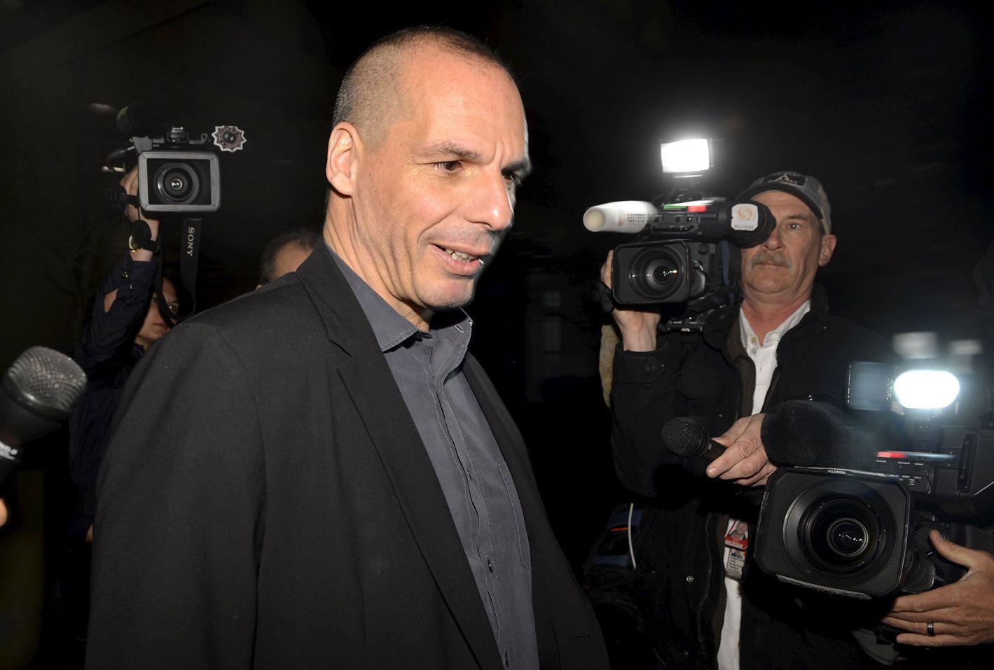 Buena cara. Varoufakis a la salida de su reunión con Lagarde en Washington