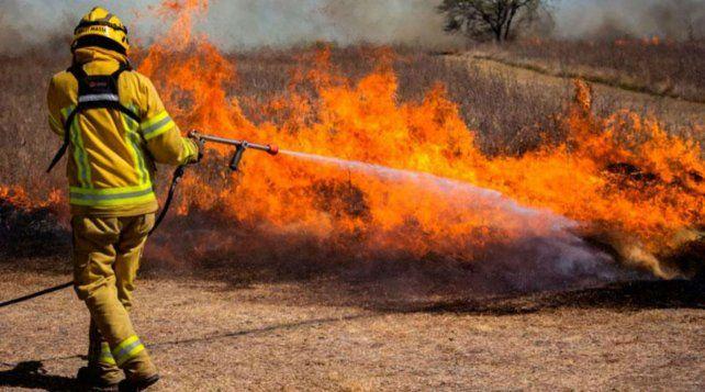 Córdoba. El fuego continúa haciendo estragos en varias localidades de la provincia.