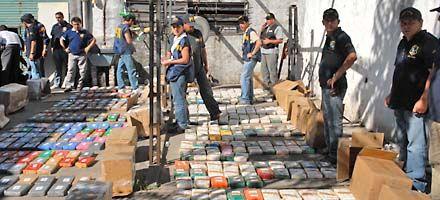 Hallaron 752 kilos de cocaína que iban a ser transportados a España