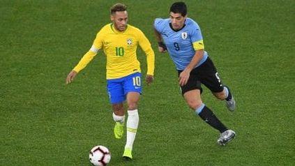 Neymar y Lucho Suárez, ex compañeros en Barsa, rivales esta noche en Manaos.